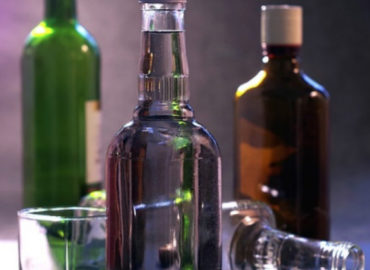 How Does Drinking Alcohol Damage Your Teeth?